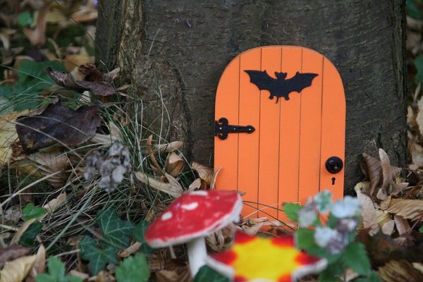 Woodland Halloween doorstep